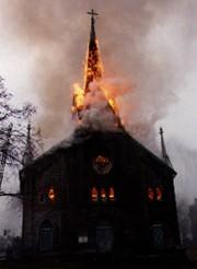 Nos-Eglises-brulent-nos-cimetieres-profanes.jpg